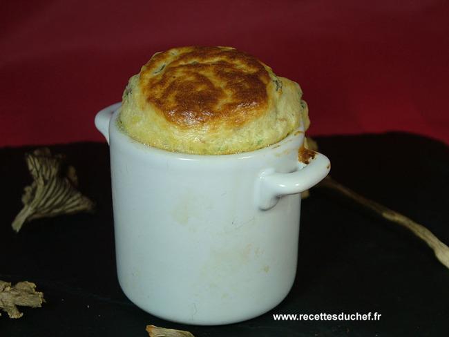 Soufflé aux chanterelles jambon cru et parmesan en mini cocotte