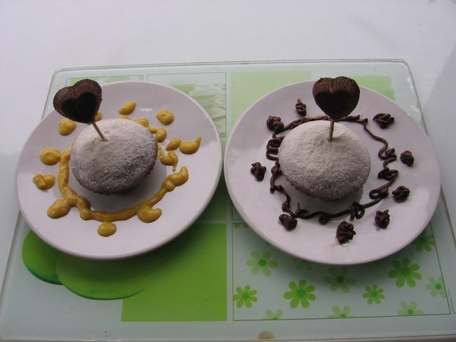 Gâteau sans gluten et cœur en chocolat