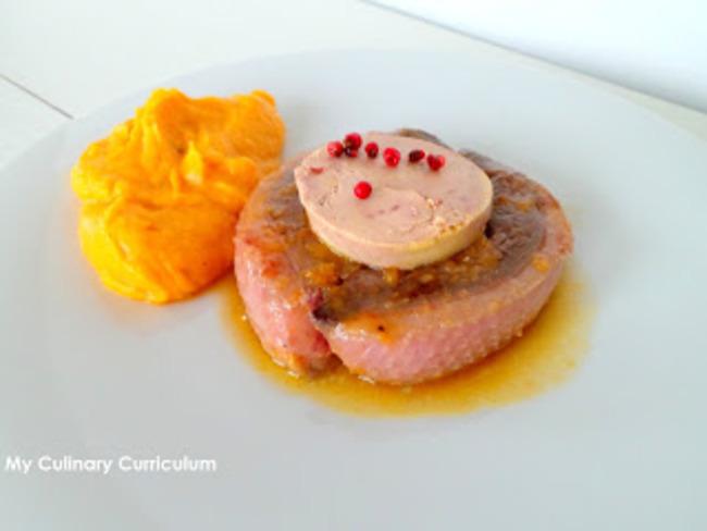 Tournedos de magrets de canard au foie gras et jus de mandarine