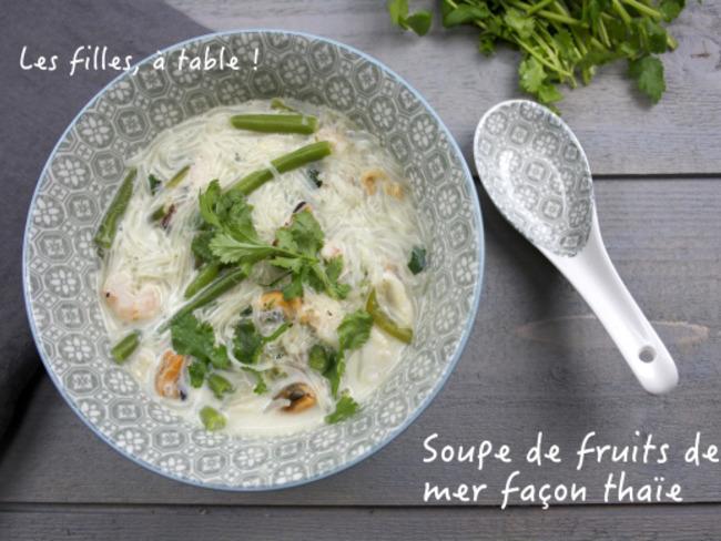 Soupe de fruits de mer façon thaïe