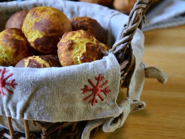 Petits pains à la courge butternut, noix et Cantal