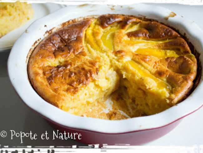 Gâteau façon clafoutis à la compote de pêches et à la mangue
