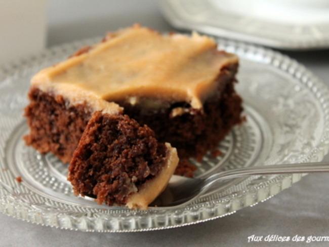 Brownie au chocolat glaçage au caramel