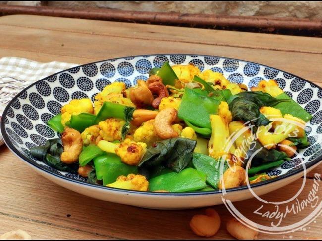 Poêlée de chou-fleur au basilic et noix de cajou