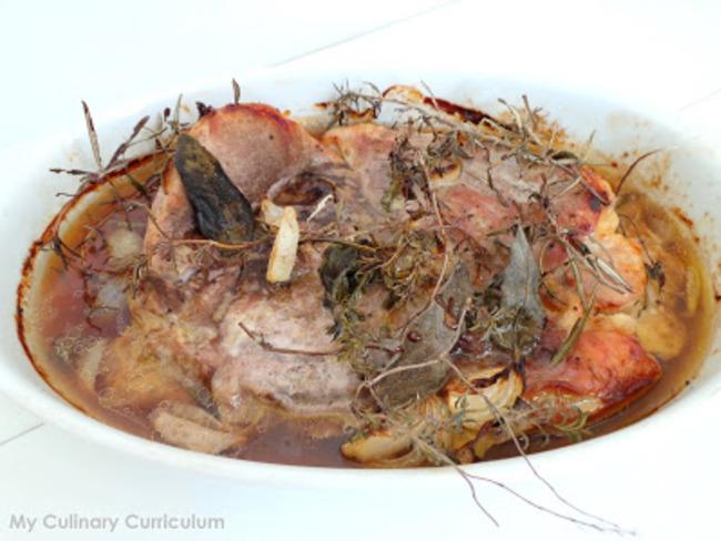 Rouelle de porc au thym, romarin, sauge et miel
