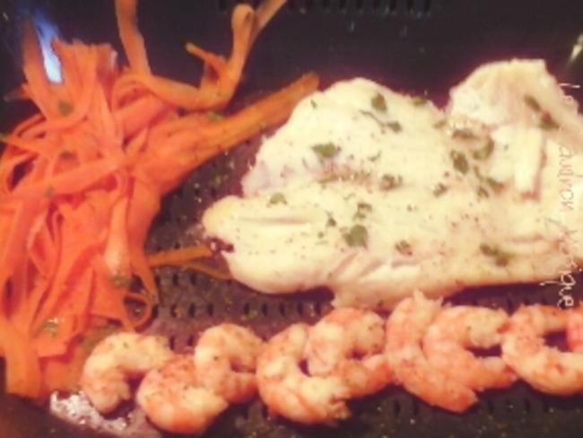 Filets de poissons et tagliatelles de carottes à la vapeur