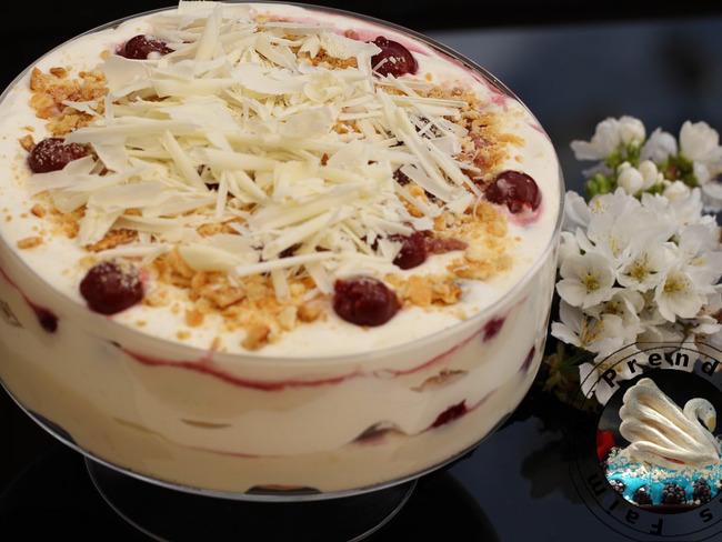 Gâteau sans cuisson cerises chocolat blanc