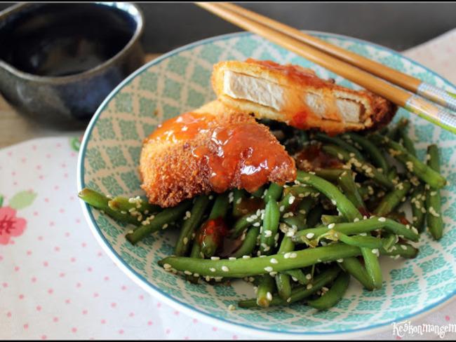 Steak de porc tonkatsu et haricots verts sautés au sésame