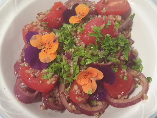 Boulghour en salade oignons rouges et tomates cerises