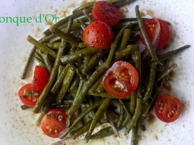 Salade de haricots verts très fins et tomates cerises au vinaigre balsamique