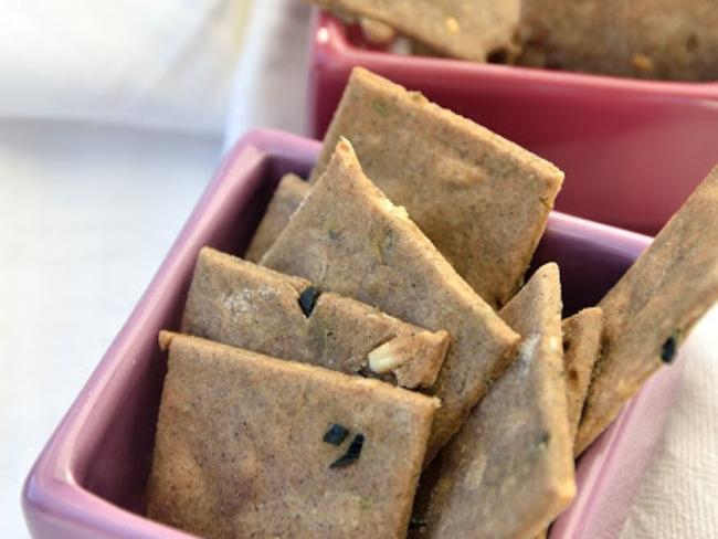 Crackers de sarrasin aux graines de lin ou aux algues sans gluten