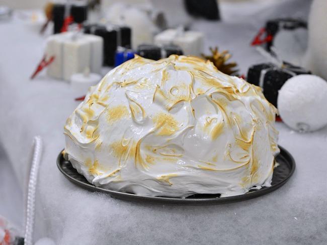 Bûche dôme meringuée cheesecake citron vert framboises