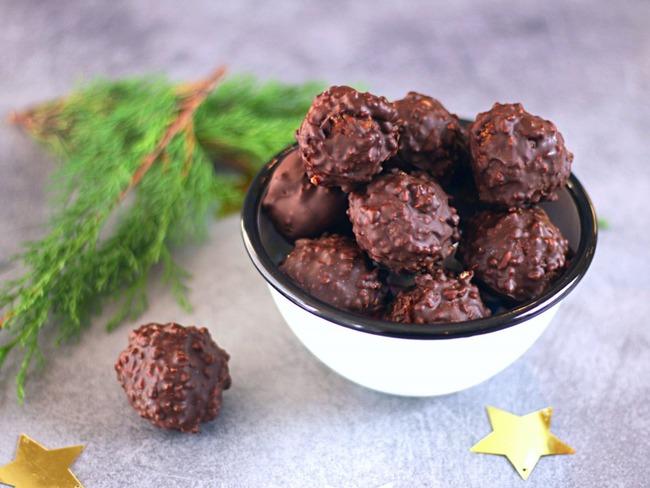 Truffes croustillantes chocolat au lait, passion et pralin
