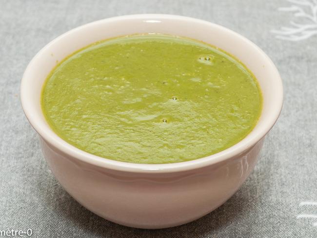 Soupe de brocolis au poireau et céleri