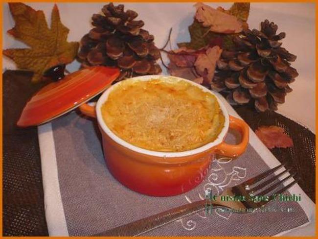 Mini-cocottes de potiron au fromage de chèvre frais.