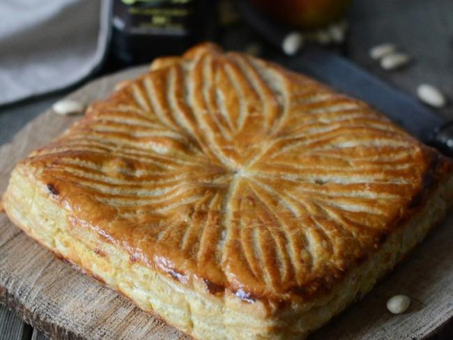 Galette des rois à la frangipane et pommes caramélisées, huile d'olive