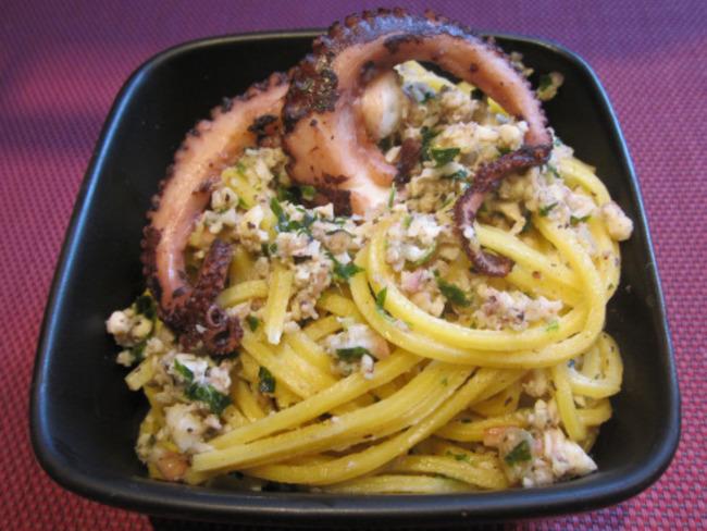 Spaghetti à la bolognaise de poulpe