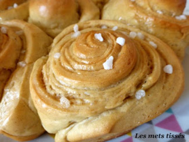 Brioche roulée vanille et caramel sans oeuf