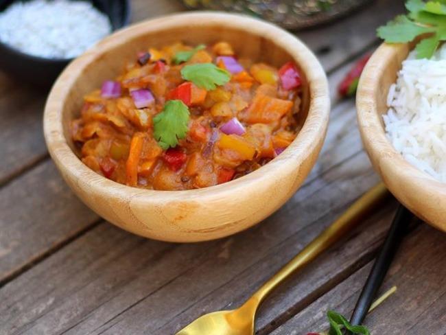 Dahl de lentilles aux poivrons tricolores