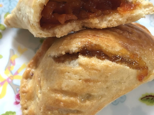 Les pâtés à la confiture d'abricots-pays