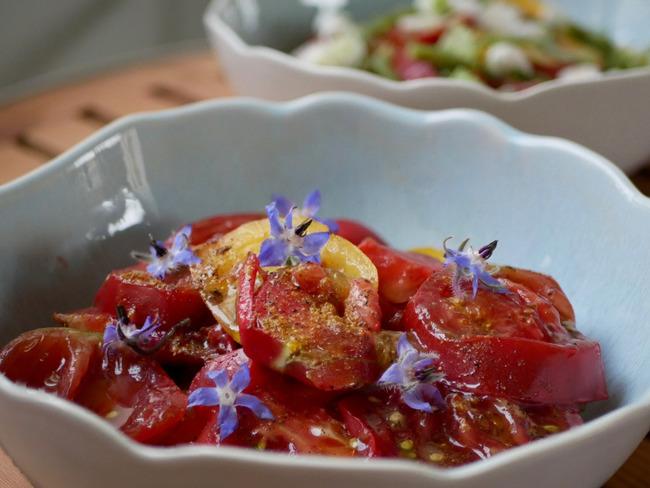 Tomates et fleurs de bourrache