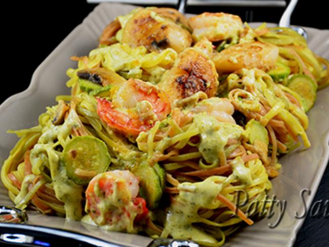 Tagliolini tricolores saint-jacques, crevettes, sauce pesto