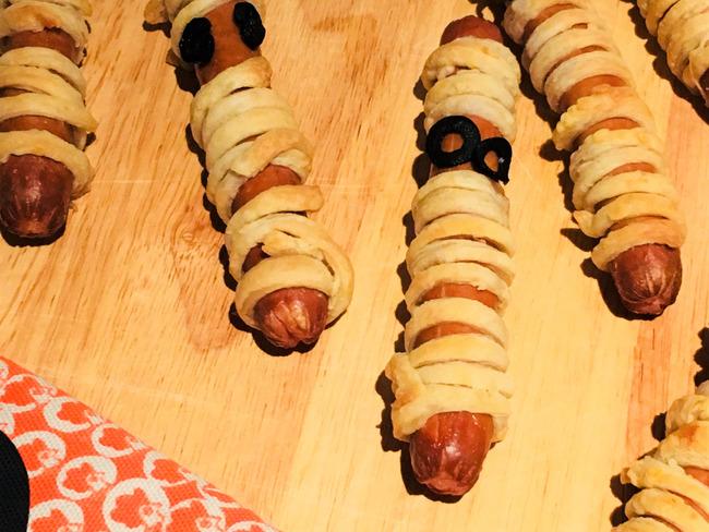 Saucisses momies feuilletées pour Halloween