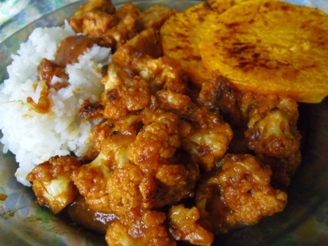 Butternut, chou-fleur et tempeh à la sauce teriyaki aux dattes