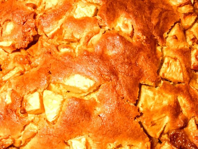 Gâteau aux pommes et à la confiture de lait