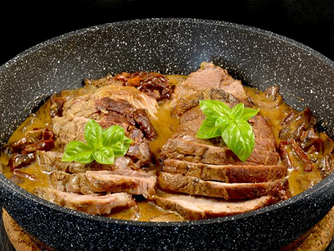 Rôti de porc sauce vin blanc cèpes