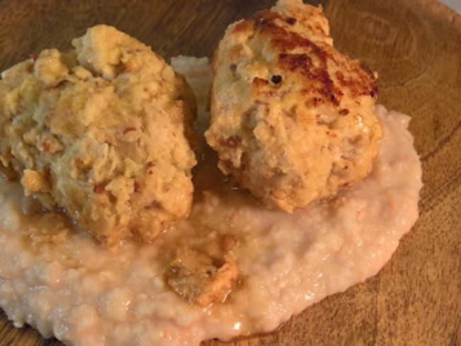 Boulettes au gingembre et anis sur purée de haricots blancs