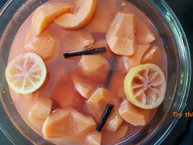 Coings pochés à l'orange