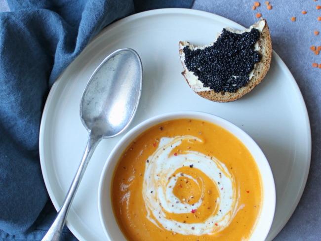 Soupe express de carotte, patate douce et lentilles corail