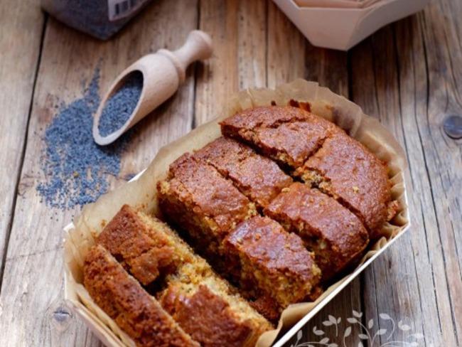 Cake au citron, miel et graines de pavot