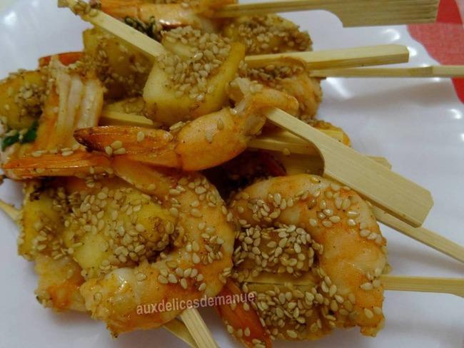 Brochettes de crevette et pomme marinées