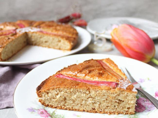 Gâteau moelleux rhubarbe et macis