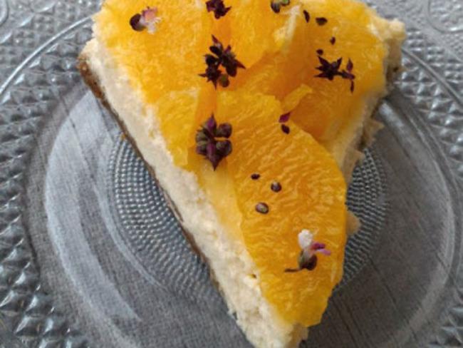 Cheesecake orange, citron vert et fleurs de basilic