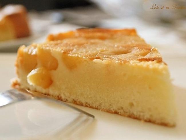 Gâteau moelleux au yaourt et pommes caramélisées