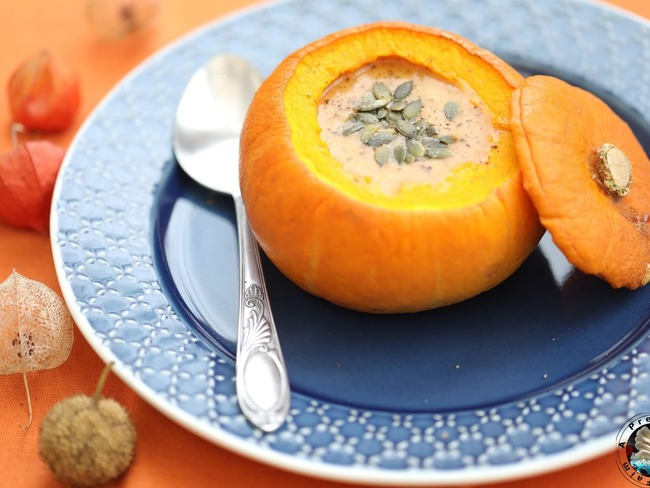 Soupe de potimarron en coque rôtie