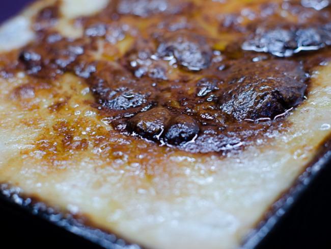 Gratin de pommes de terre et crème à l'ail et gorgonzola