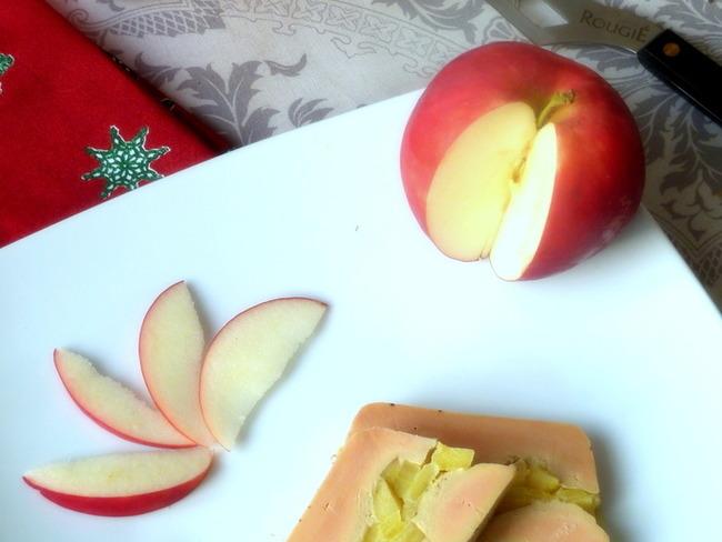 Foie gras au calvados et pommes poêlées