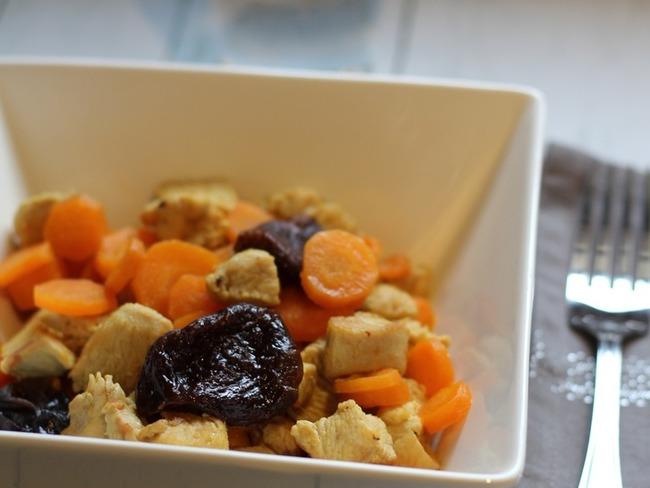 Sauté de dinde aux carottes et pruneaux