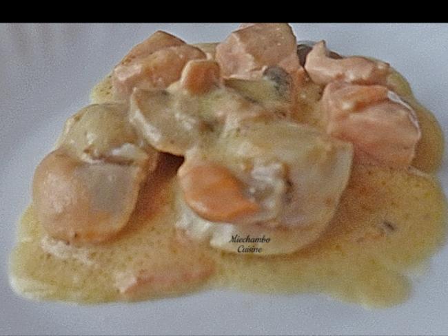 Saint-Jacques et saumon comme une blanquette