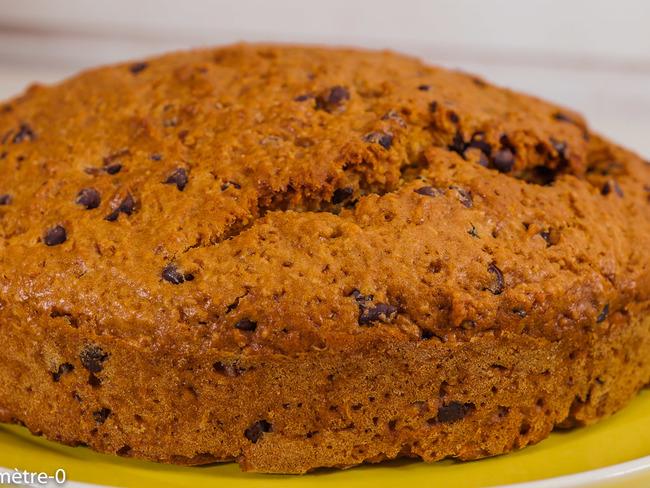 Gâteau du matin à la poire de terre , aux amandes et aux pépites de chocolat