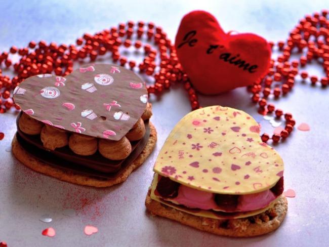 Entremets chocolat passion framboise rose