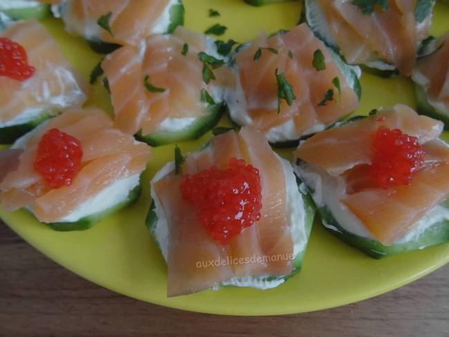 Toasts de concombre au saumon fumé et crème épaisse