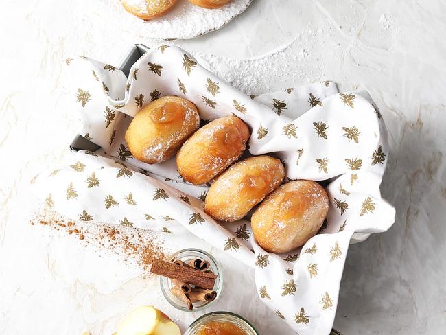 Beignets farcis à la pomme et cannelle