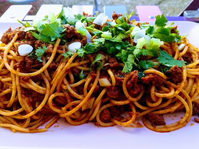 Spaghettis bolo au concentré de tomates