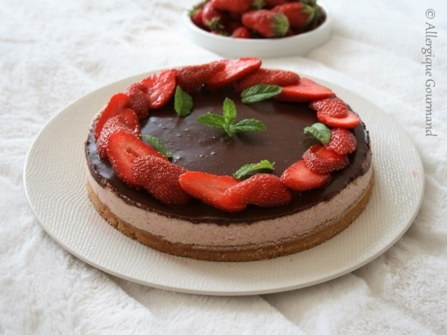 Entremet à la mousse de fraises sur sa pâte sablée