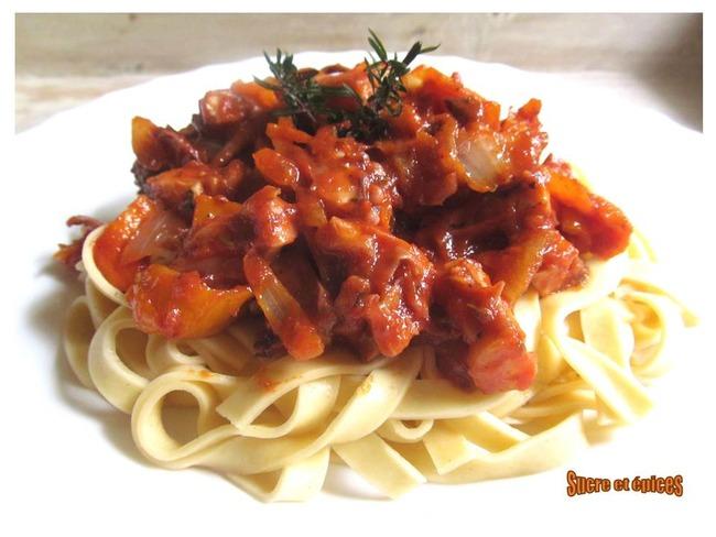 Tagliatelles au poulpe sauce tomate